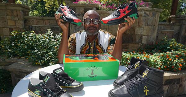 Tarik Edmonson, founder of SneakersCustom.com