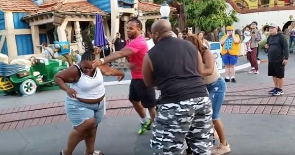 Family members fighting at Disneyland