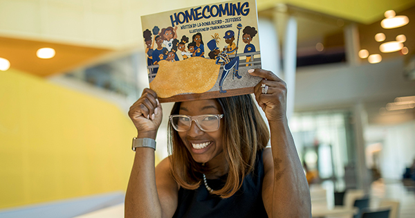 La-Donia Alford-Jefferies, author of Homecoming children's book